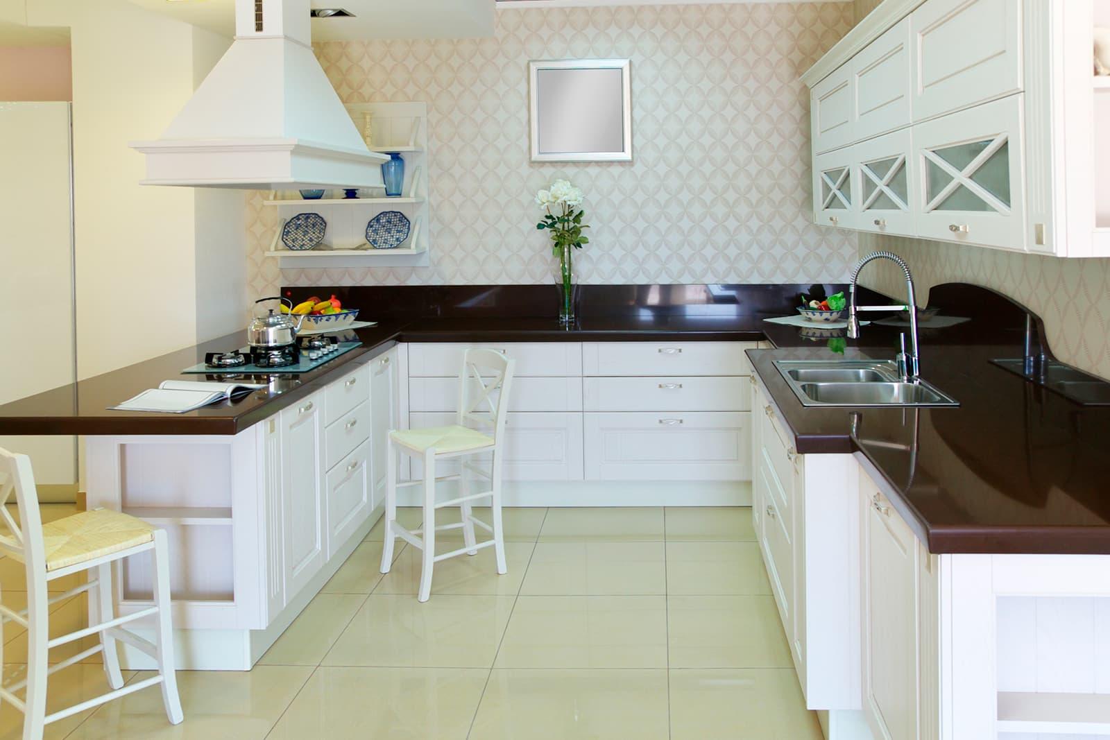Кухни с белыми столешницами фото леонтьев